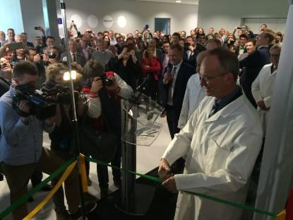 Minister Kamp opent de Leiden Biotech Facility