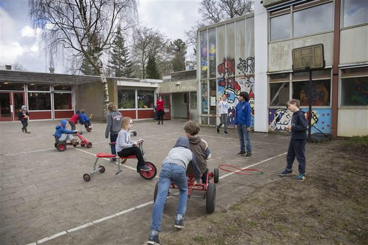 Nederland, Doorn, 7 maart 2016. 'Ontdekkingsreis', school staat op instorten